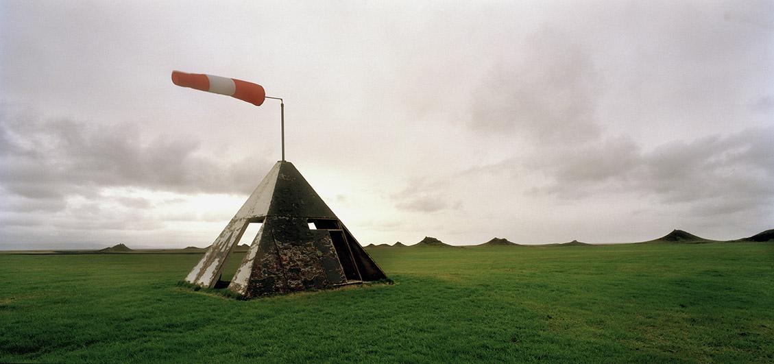 Pyramide med helt flag